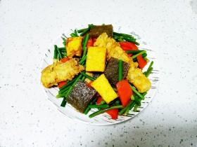 皮渣炒豆腐、带鱼、蒜苔、胡萝卜
