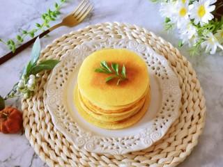 鸡蛋玉米饼,边吃边做 味道好 有营养