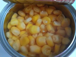雞蛋玉米餅,加入玉米粒。