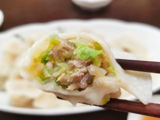 包菜豬肉水餃