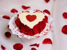 自带情话的红丝绒奶油蛋糕