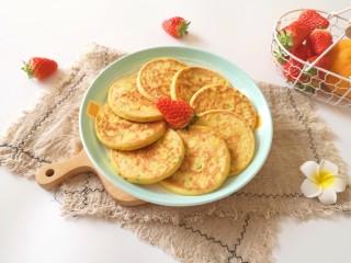 鸡蛋玉米饼,早餐吃营养丰富。