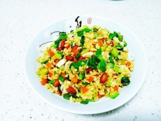咸鸭蛋、蔬菜、花生炒米