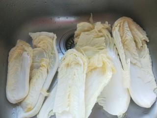 醋溜大白菜,大白菜虽然看着很干净还是要清水一下比较放心。