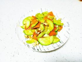 咸鸭蛋炒胡萝卜、西葫芦