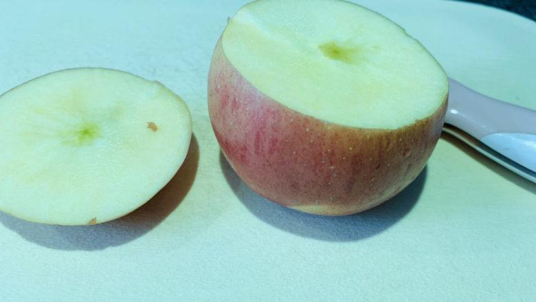 苹果小米粥,小心圆切;