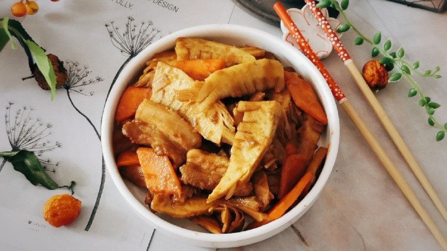 冬笋炒五花肉