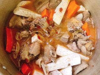 红烧鸭肉,拌匀