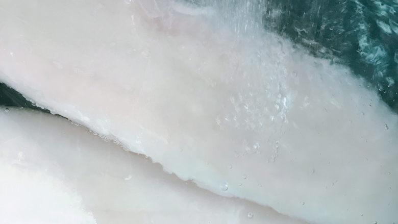 清蒸龙利鱼,龙利鱼冲水解冻