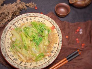 大白菜炖粉条,炖至软烂