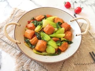 油菜豆腐,豆腐有嚼劲,油菜鲜嫩。