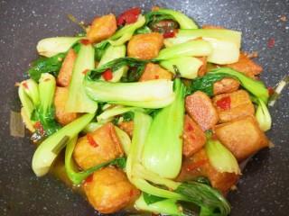 油菜豆腐,翻炒均匀关火出锅。