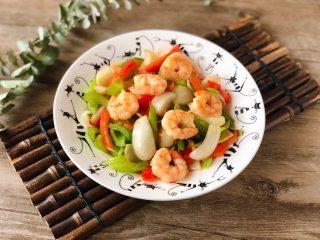 西芹百合炒虾仁,健康绿色低脂的美味
