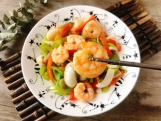 西芹百合炒虾仁,健康绿色低脂的美味,健康绿色低脂的美味!