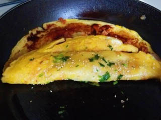 玉米渣煎饼,在折叠自己喜欢的形状。