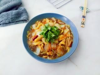大白菜炖粉条,盛出,配一碗大米饭很美味!