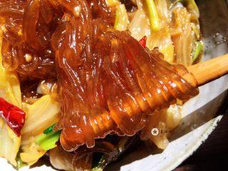 大白菜炖粉条,滑嫩有劲道,超好吃😋