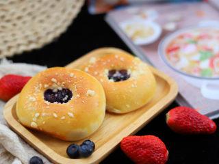 蓝莓爆浆大米面包