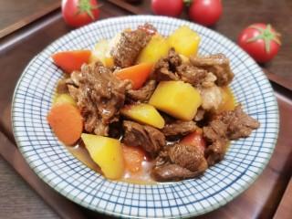 红焖羊肉土豆,羊肉不膻,土豆绵软,喜欢的试试吧!