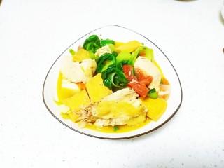 鸡肉、鸡汤炖豆腐、油菜