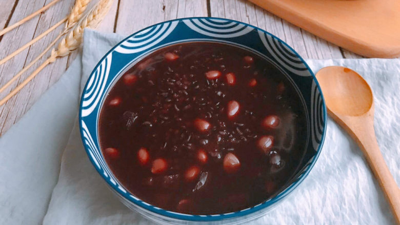 红枣黑米粥,特别适合女生经期食用