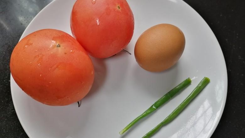 鸡蛋西红柿打卤面,准备好所需材料