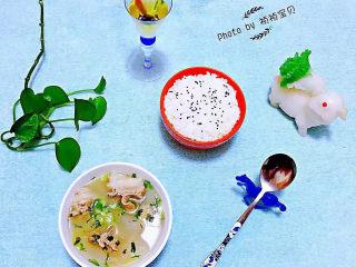 羊骨头汤,冬瓜羊骨头汤做起来方便快捷非常适合上班族食用