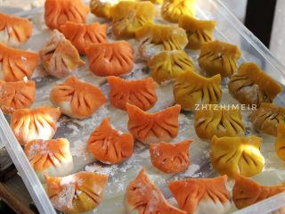 彩色饺子(宝宝辅食),我这里包了将近五十个饺子,还剩下一些饺子皮