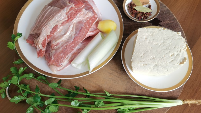牛肉炖豆腐,所需要的食材