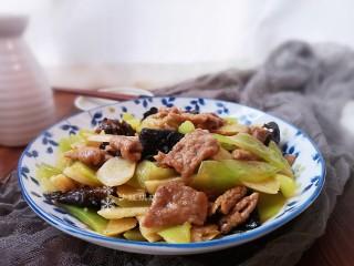 萵筍炒牛肉,下飯菜!