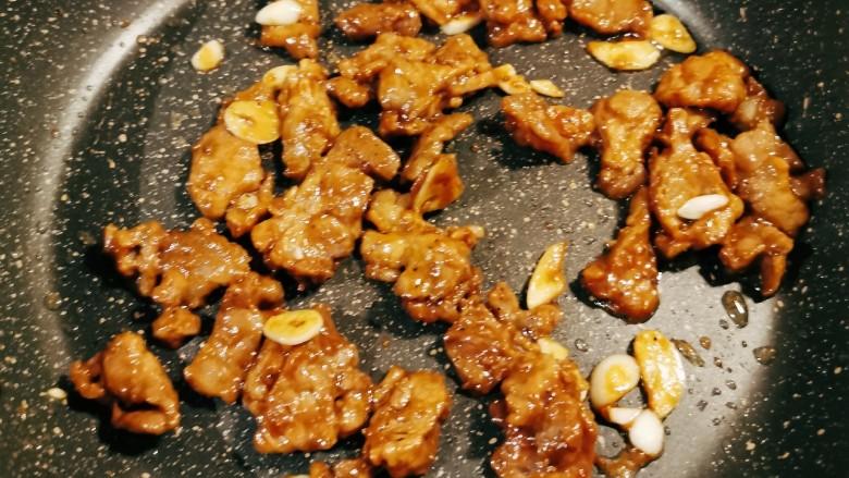 莴笋炒牛肉,牛肉炒熟 酱香浓郁