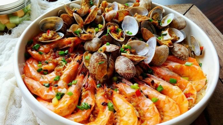 蒜蓉蒸大虾,颜值爆表,色香味俱全,好看又好吃