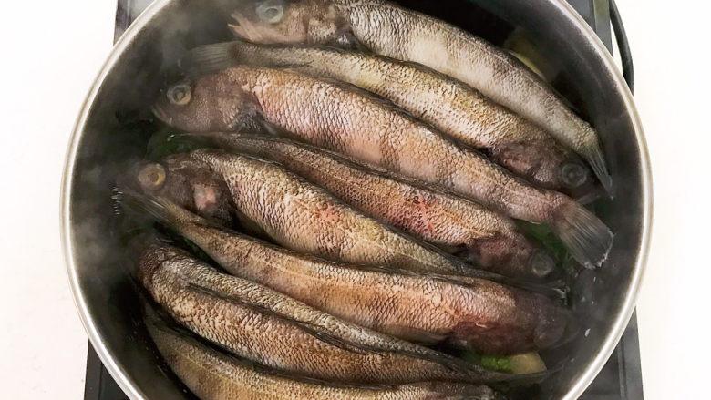 红烧小黄鱼,加入海黄鱼