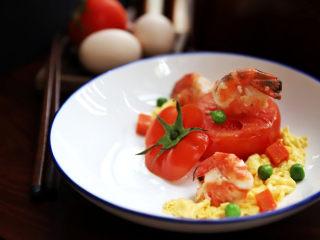 鸿运滑蛋虾,摆盘即可。