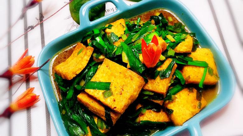 韭菜炒豆腐,韭菜炒豆腐,成品图。