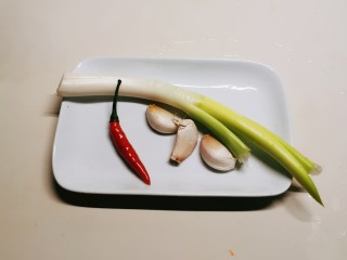 蚝油油麦菜,辅料准备好
