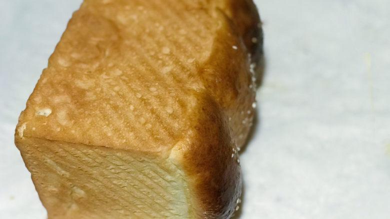 浅湘食光&波兰种面包,放入烤箱180度,40-50分钟(注意10分钟左右盖锡箔纸。一定注意观察,否则膨胀起来面层会烤糊)