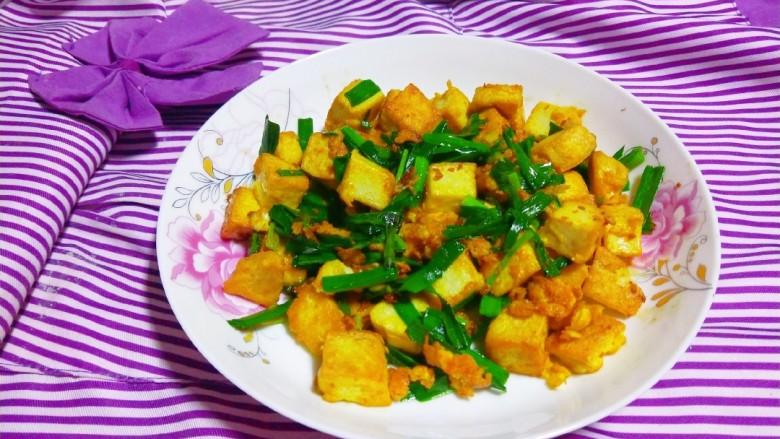 韭菜炒豆腐,成品