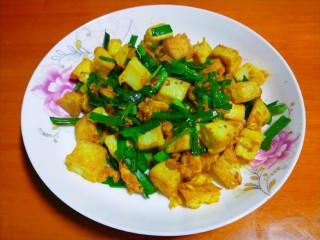 韭菜炒豆腐,成品图