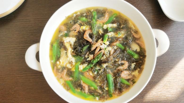 芦笋紫菜汤,健康又鲜美的芦笋紫菜汤。