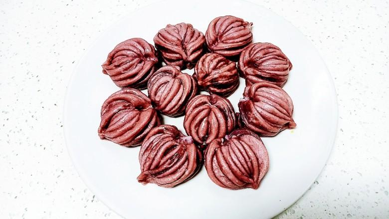 心形紫薯馒头,盛出晾凉