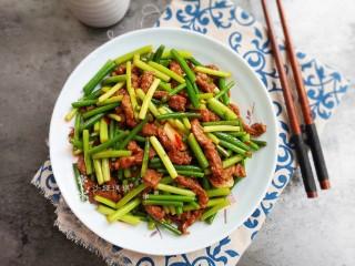蒜苔炒牛肉,做法简单又快速!