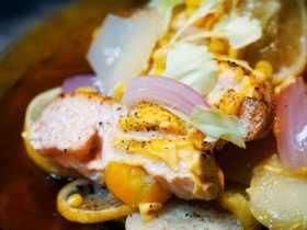 地中海风情烤三文鱼什锦蔬菜就