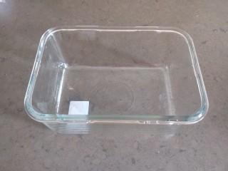 红豆沙拉丝面包,我用的是玻璃磨具好托膜。