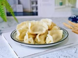 韭菜豬肉餡水餃,東北人最愛吃餃子,從小吃到大,吃不夠~