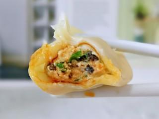 韭菜豬肉餡水餃,皮薄餡大~巨好吃。