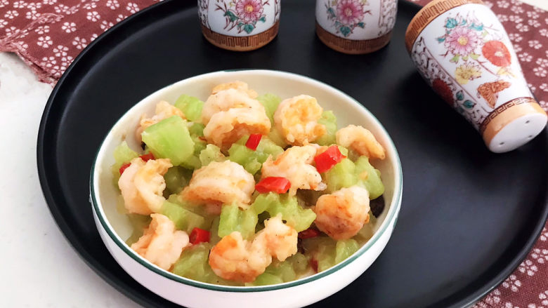 莴笋炒虾仁