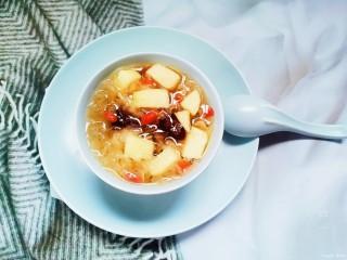 苹果银耳红枣汤