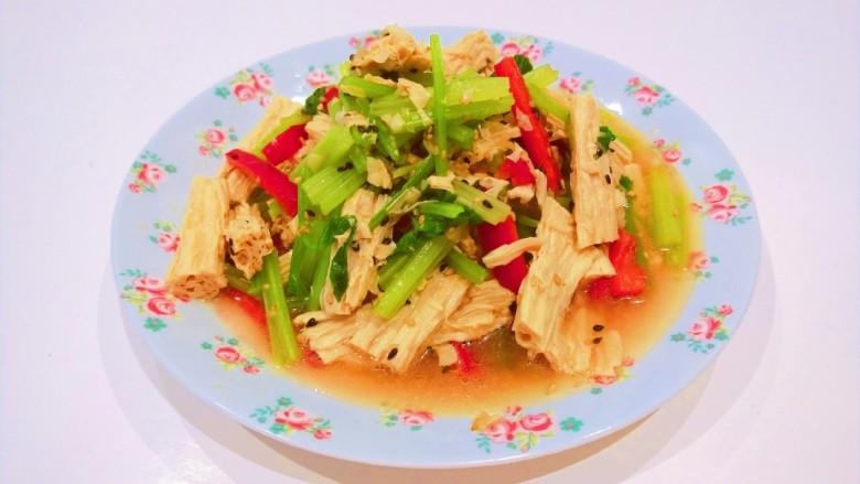 芹菜拌腐竹,成品图