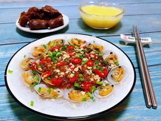 花蛤粉絲,搭配麻辣鴨脖和小米粥一起吃好吃到爆